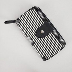 Stella & Dot Black & White Wallet